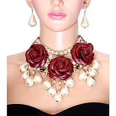 LRG ROSES PEARLS AND GEMS NECKLACE SET